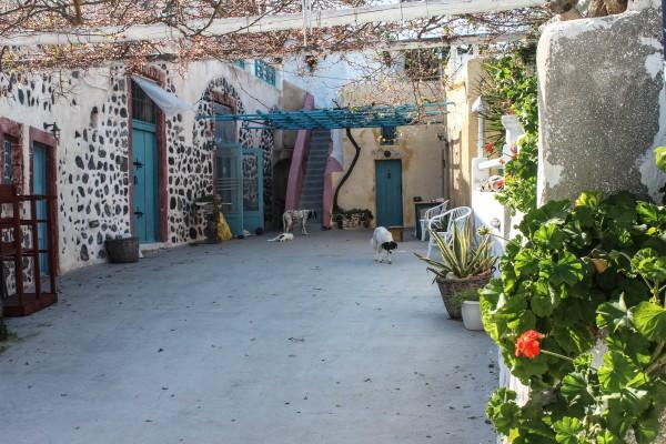 Caveland courtyard