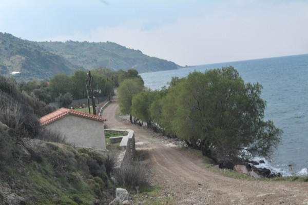 The dirt road to Molyvos