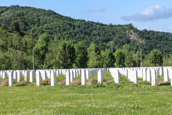 Graves at Srebrenica