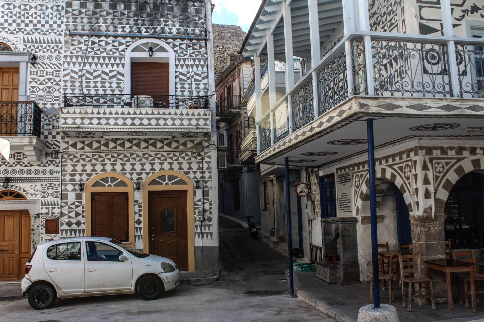 There's a geometric town in Chios, Greece