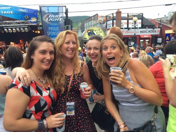Girls at George Street Fest