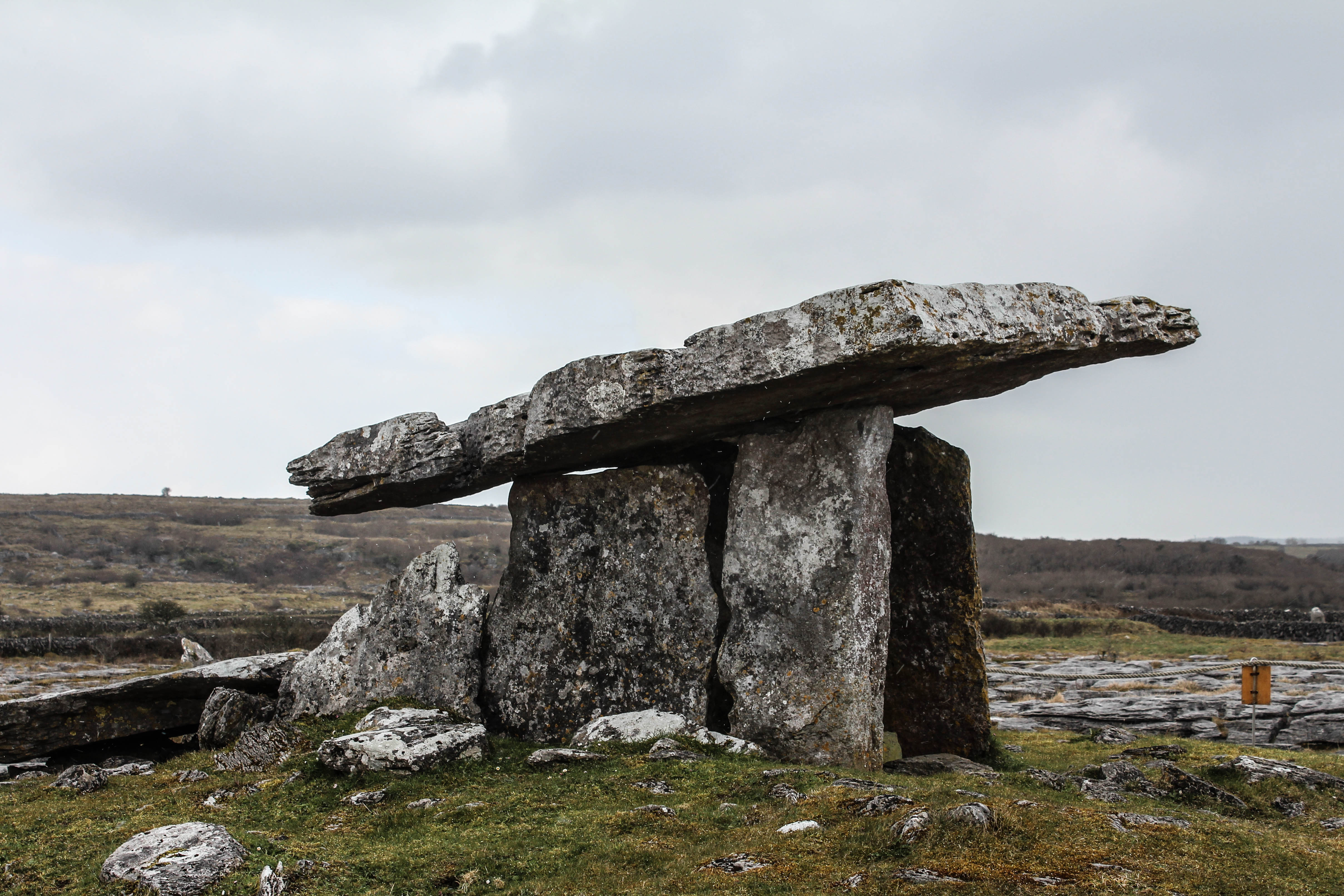 poulnabrone megalithic tomb