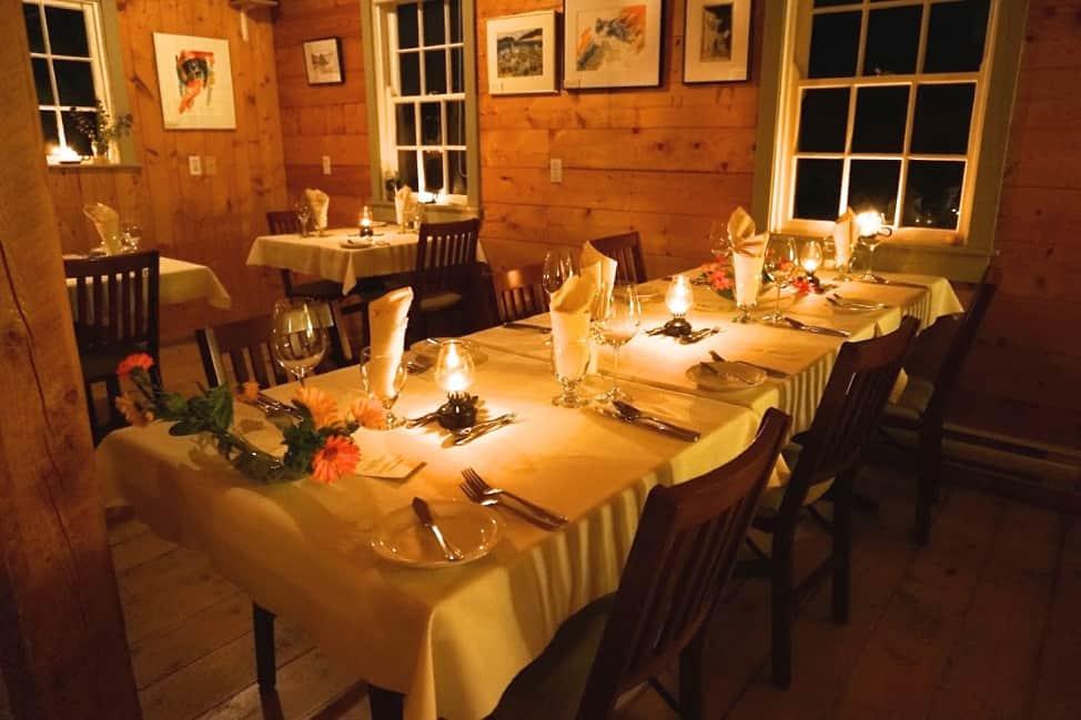 Artisan Inn's dining room